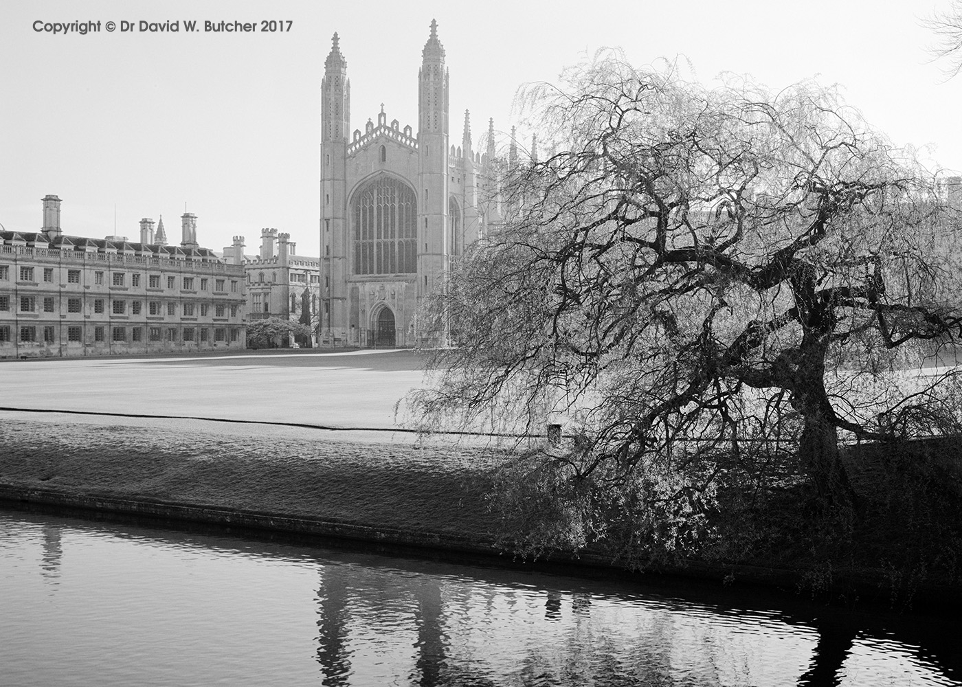 Cambridge King's College Chapel from King's Bridge, England