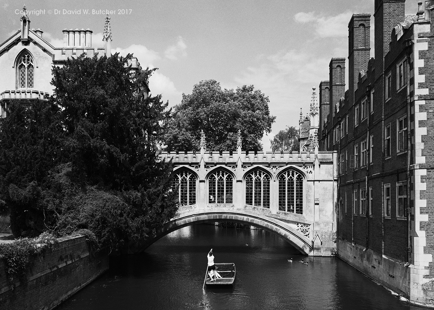 Cambridge Bridge of Sighs and Punt, England