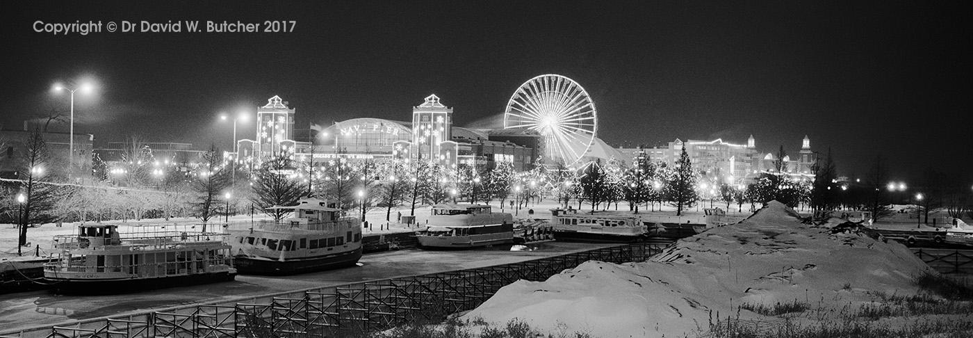Chicago, Navy Pier from Lake Shore Drive at Night, USA