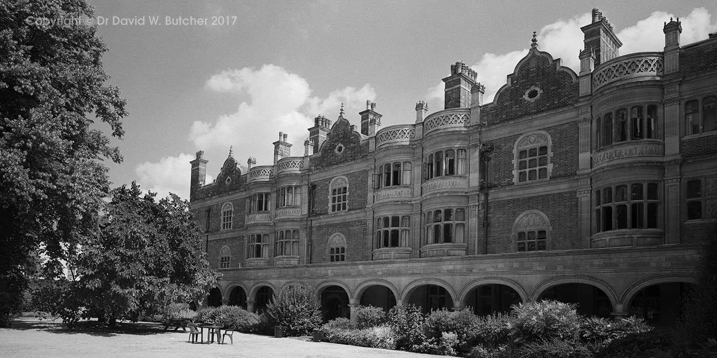 Cambridge Sidney Sussex College, Cloister Court Court, England