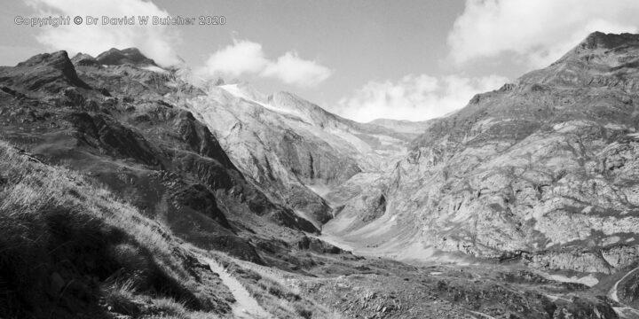 Vignemale from GR10, Gavarnie, Pyrenees